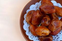 Health Benefits & Recipes Of Dates For Babies
